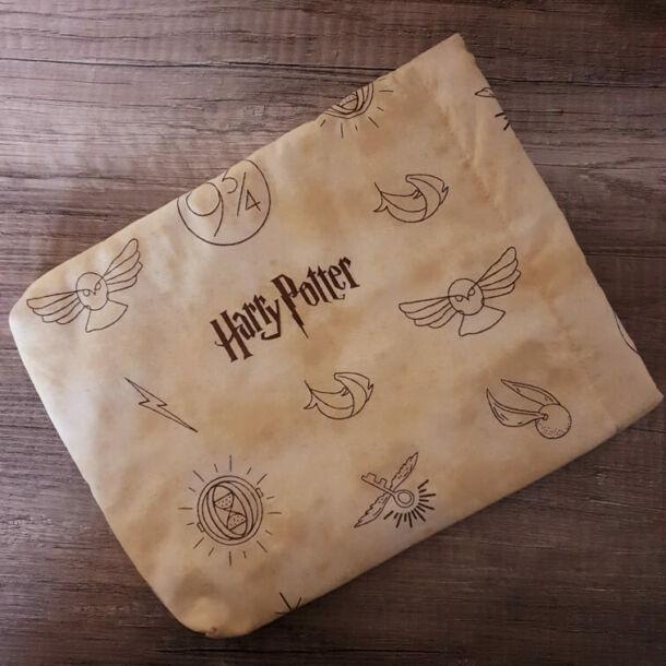 Harry Potter bélelt könyvszütyő