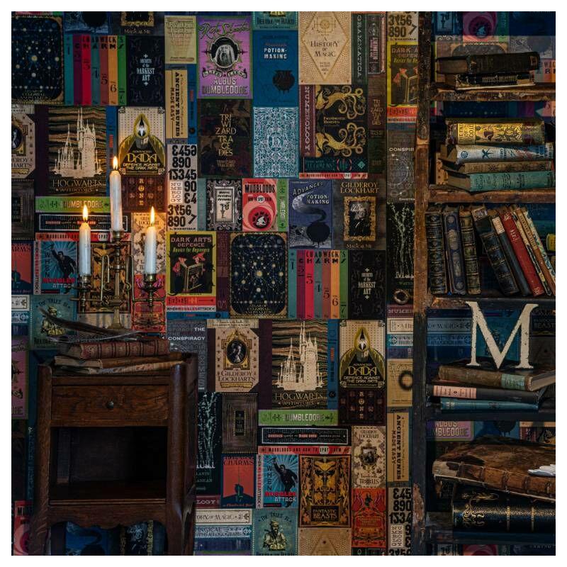 HARRY POTTER témájú tapéta - Roxforti tankönyvek mintával - MinaLima design BubbleStore